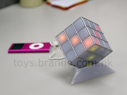 Fun Gadgets – The Rhythm Illuminating LED Cube Speaker