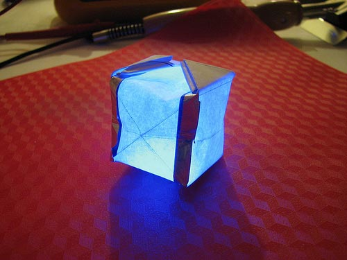 Geeky Mods - The LED Origami Cube Lamp
