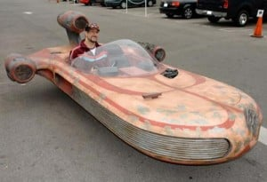 Cool Mods – The Full Size Drivable Star Wars X-34 Landspeeder Replica