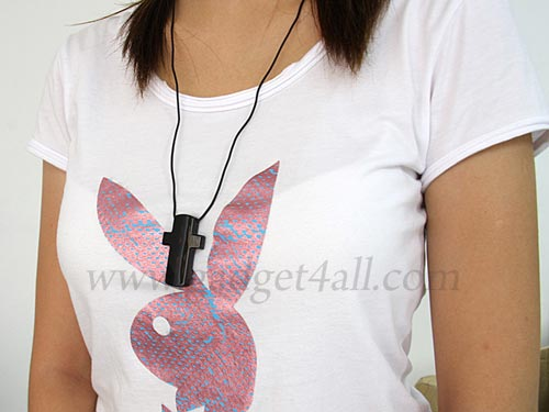 croos necklace mp3 player