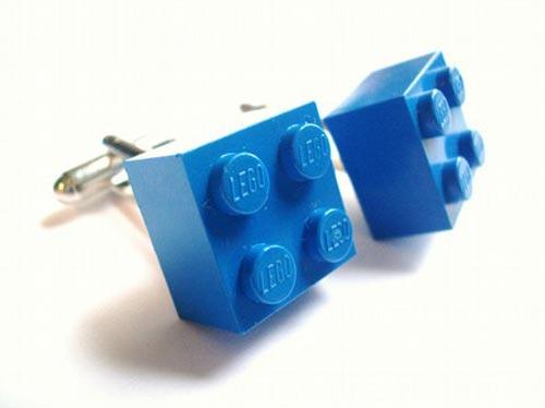 http://www.geeky-gadgets.com/wp-content/uploads/2008/10/lego_cufflinks1.jpg
