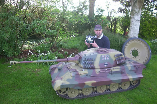 6ft long R/C Tank