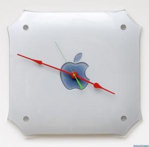 The Apple G4 Mac Clock