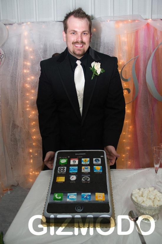 iPhone Wedding Cake