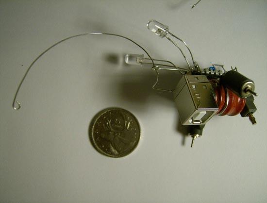 tiny usb robot