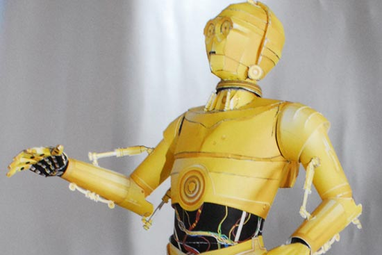 http://www.geeky-gadgets.com/wp-content/uploads/2009/04/papercraft-star-wars-c-3po-_1.jpg
