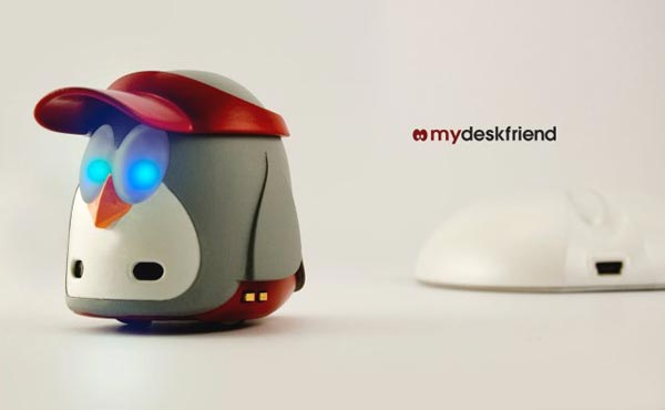 MyDeskFriend - Desktop Penguin Robot