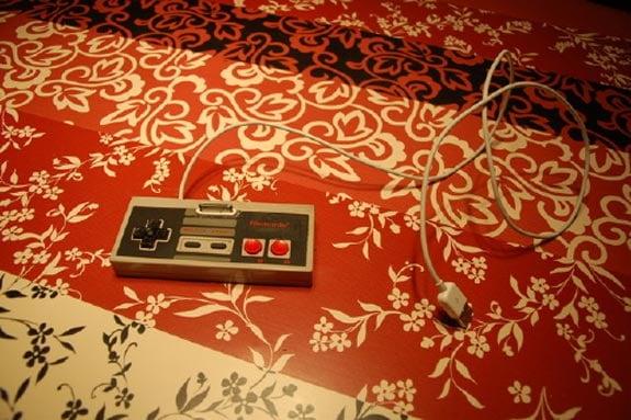 NES Controller iPhone 3GS Dock