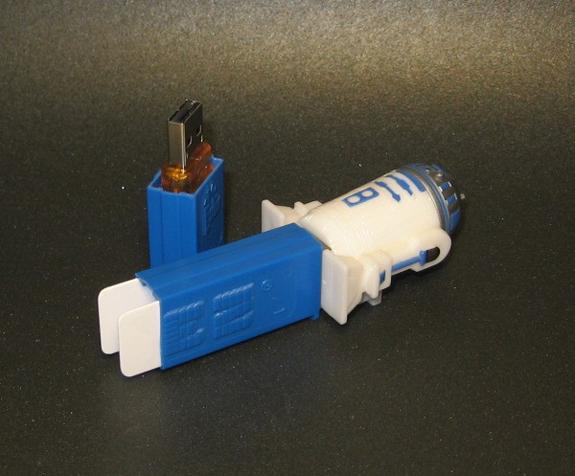 Star Wars R2D2 Pez Dispenser USB Drive