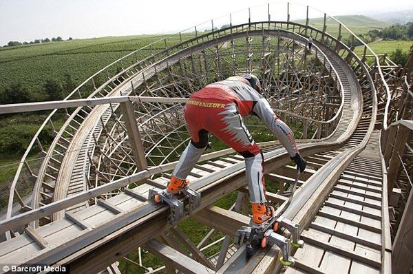 The Roller Coaster Roller Skater