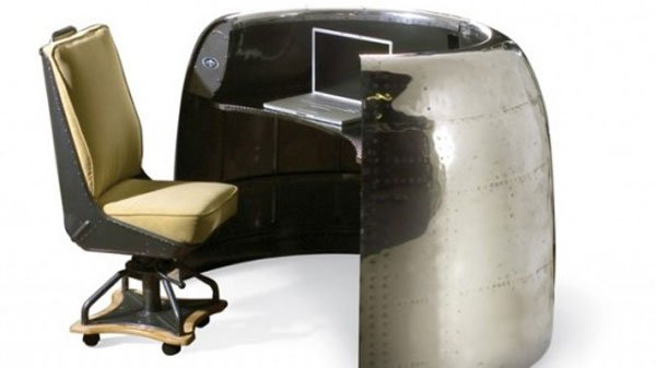 aircraft-engine-desk