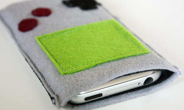 Game Boy iPhone Pouch