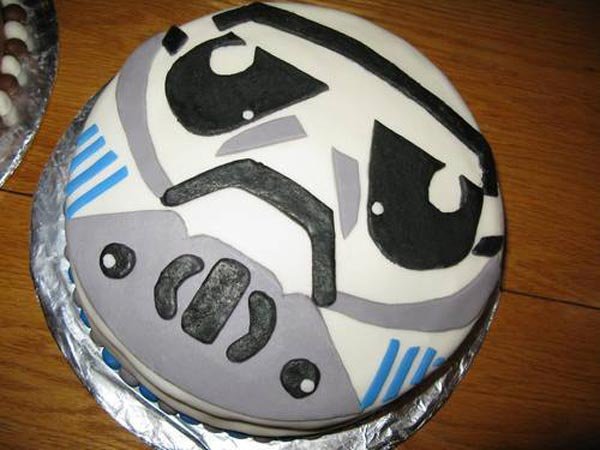 Star Wars Cakes. And finally we have this cool Han Solo in Carbonite cake