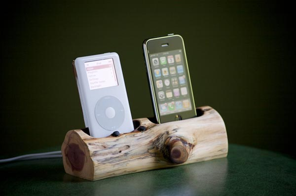 Tree Trunk Dual iPhone Dock