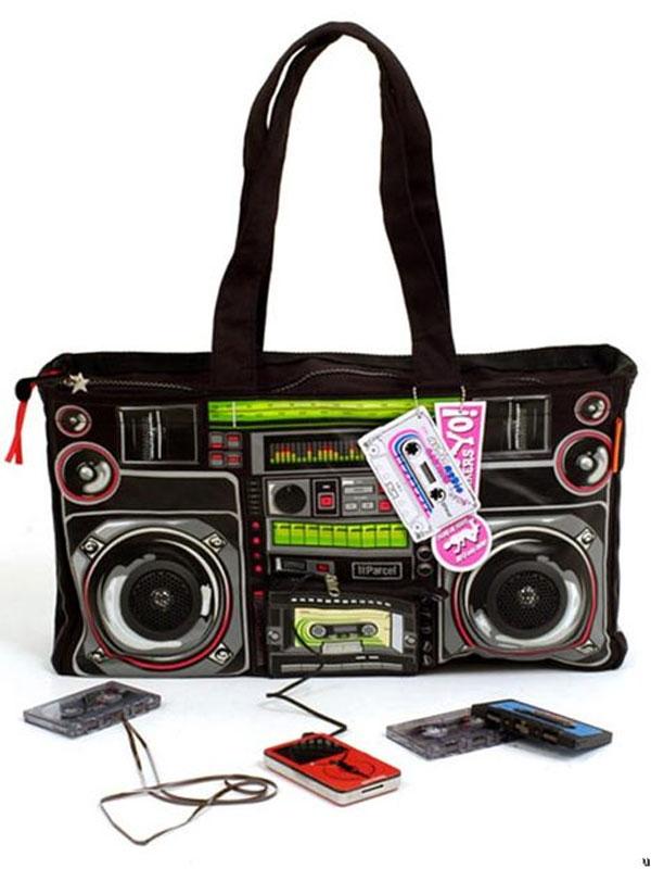 Retro-Boombox-Bag