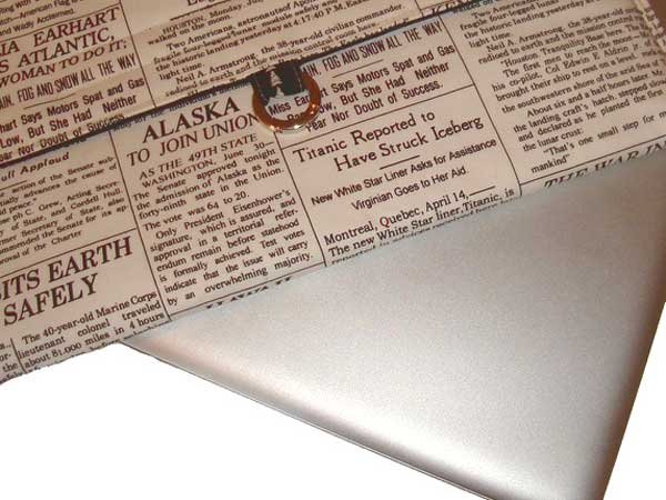 newspaper-macbook-case
