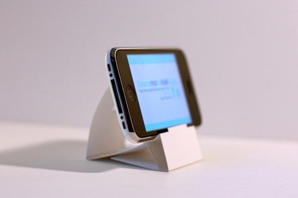 Paper iPhone Dock