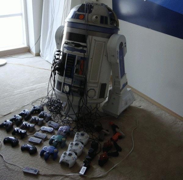 R2-D2 Console Mod Houses 8 Games Consoles
