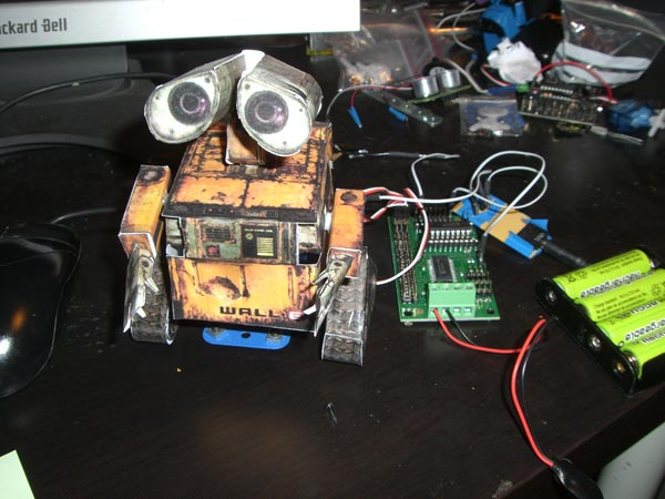 Wall-E Email Alerter