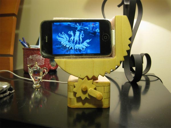 Wooden Automata iPhone Dock