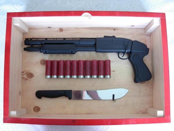 Zombie-Invasion-Emergency-Kit-2