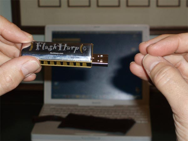 FlashHarp Harmonica USB Drive