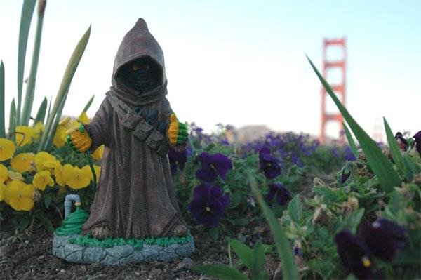 Star Wars Garden Jawa's