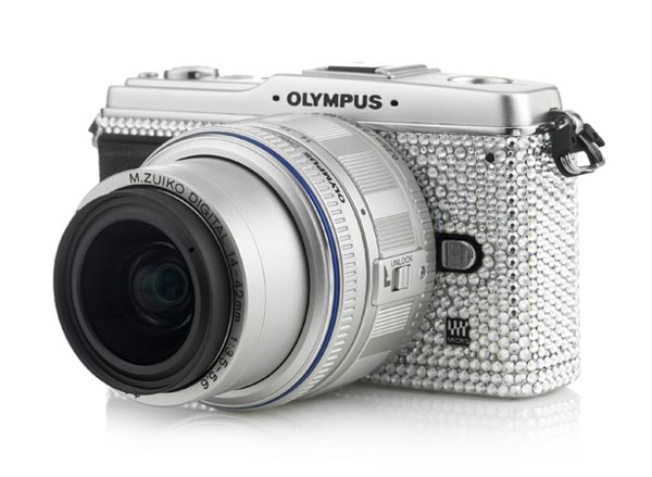 Olympus Pen E-P1 Gets Covered In Swarovski Crystals