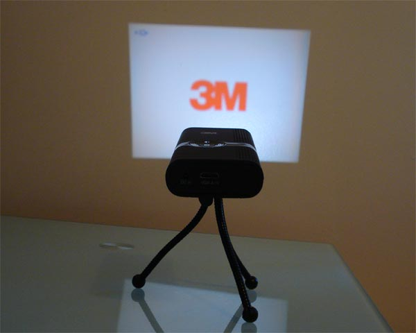 Win A 3M MPro 120 Pocket Projector In Our 2nd Christmas Giveaway
