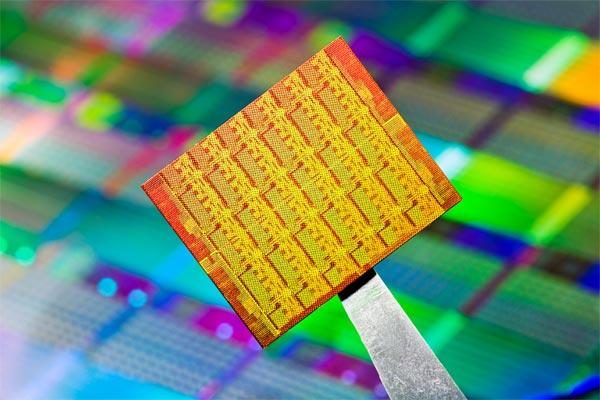 Intel Announces 48-core Processor For Cloud Computing