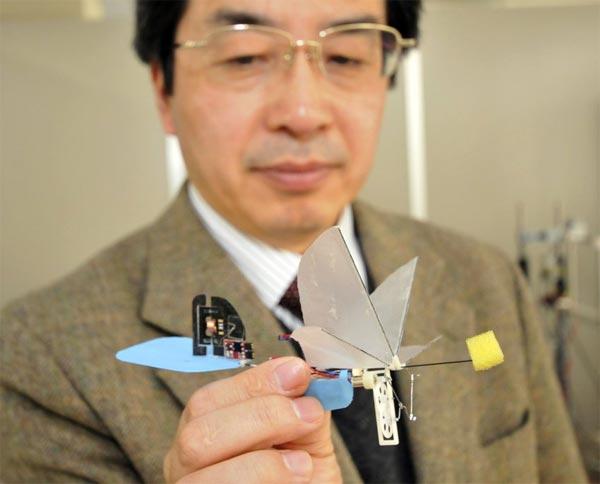 Japanese Researcher Unveils $2 Million Hummingbird Robot