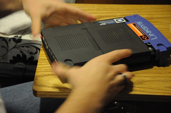 The Linksys MacBook Mod