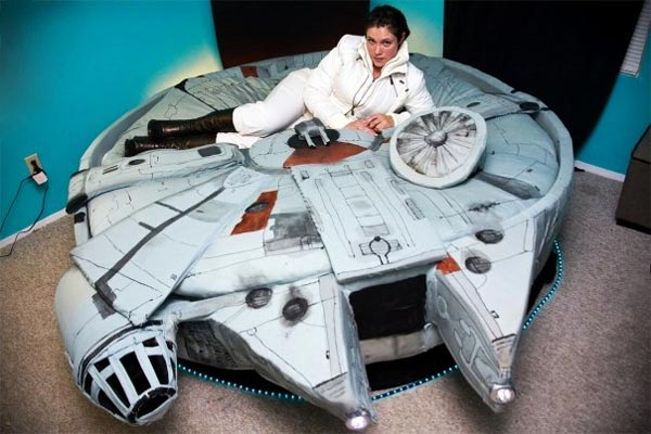 The Millenium Falcon Bed