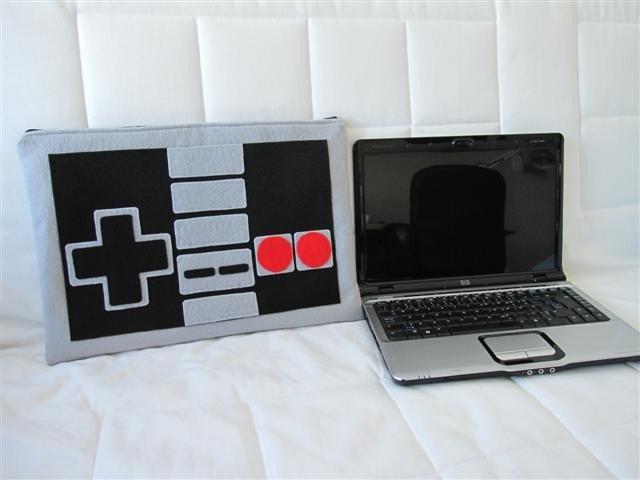 NES Controller Laptop Case