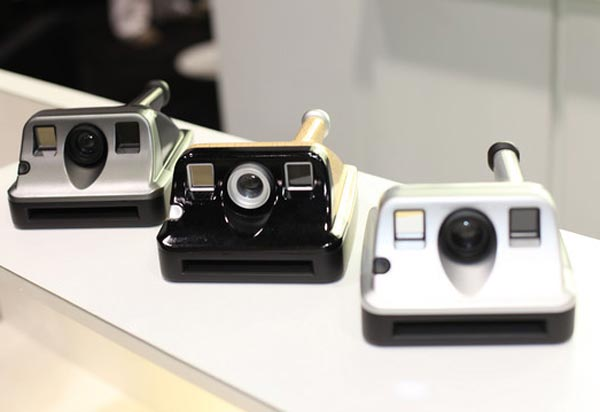 Polaroid Brings Back Instant Cameras With the PIC 1000