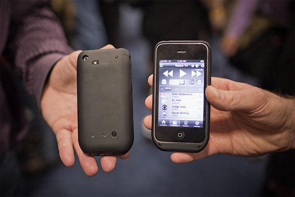 iV Plus iPhone Battery Pack Works As A Universal Remote