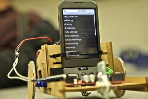 $20 DIY Android Cell Phone Cardboard Truckbot