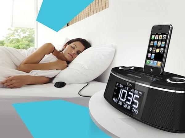 iLuv IMM178 Vibe Plus iPhone And iPod Alarm Clock