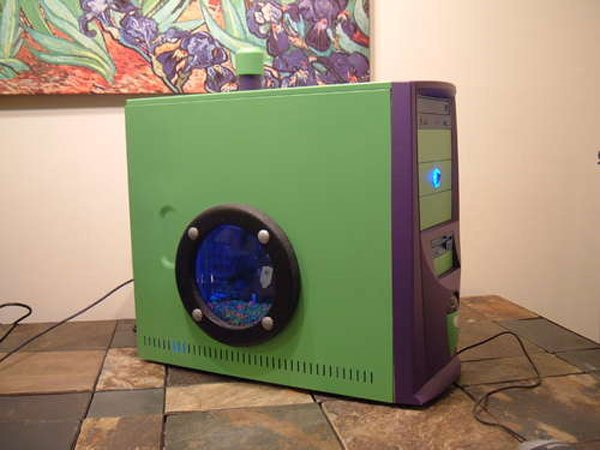 Turn Your Old PC Into An Aquarium