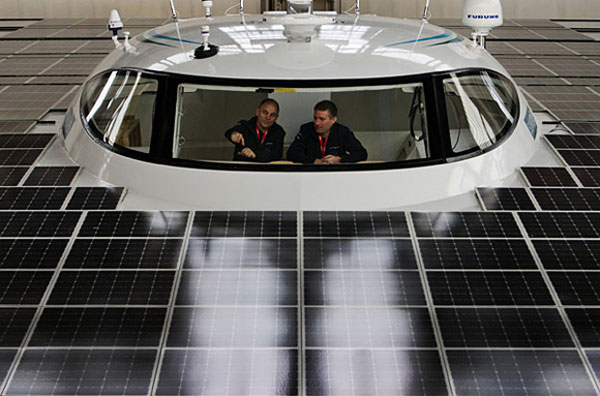 Planet Solar - The Worlds Largest Solar Powered Boat