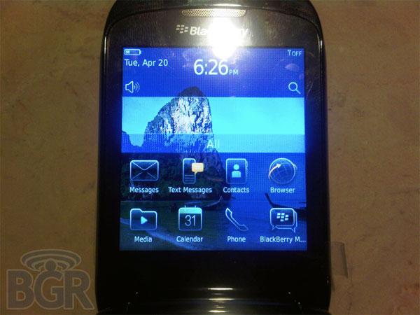 BlackBerry 9670 CDMA Clamshell Mobile Phone