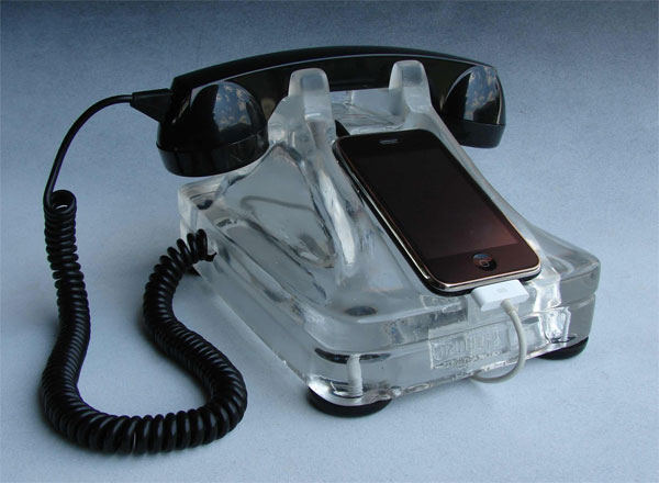iRetrofone Rotary iPhone Dock