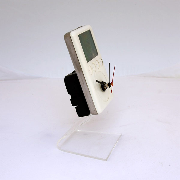 Recycled Apple iPod Clock