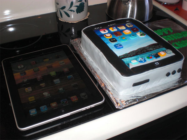 The iPad Birthday Cake