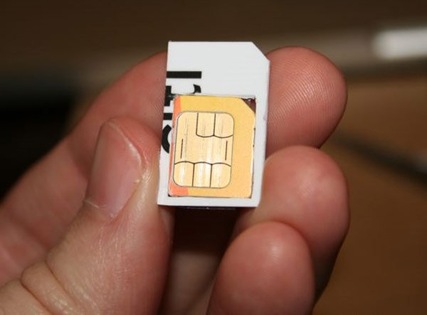 Use Your Micro SIM In Your iPhone With This Handy Mod