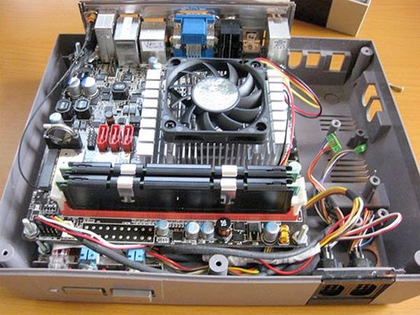 NES Home Theater PC Case Mod