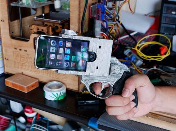 DIY iPhone Revolver Case