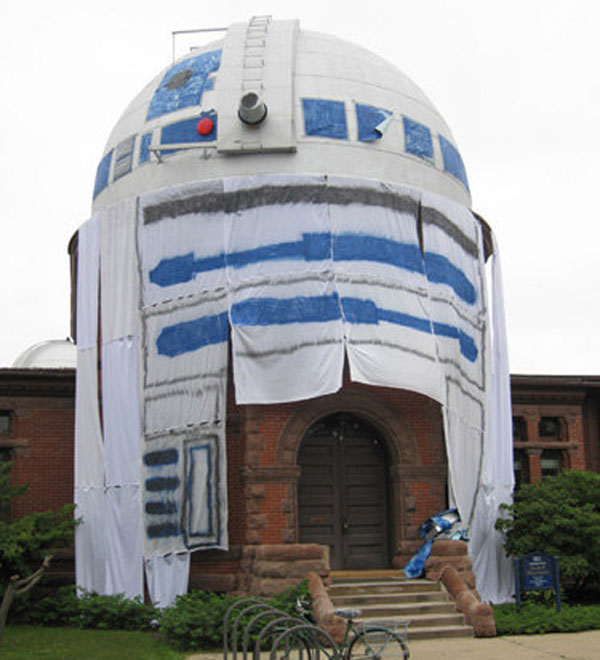 The World's Biggest R2-D2