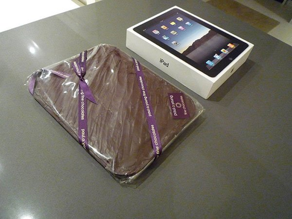 Apple iPad Gets Frozen In Chocolate