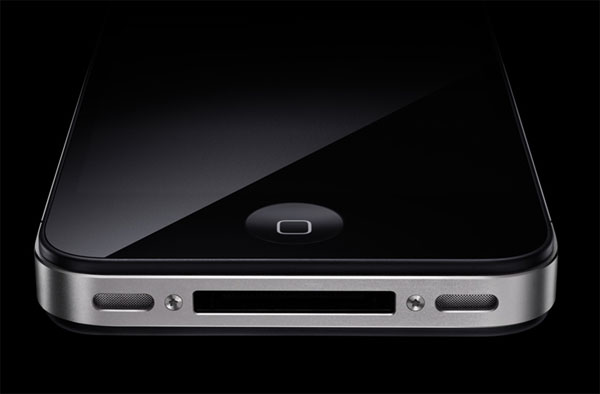 iPhone 4 UK Unlocked From Apple, UK Mobile Phone Networks Face Confusion